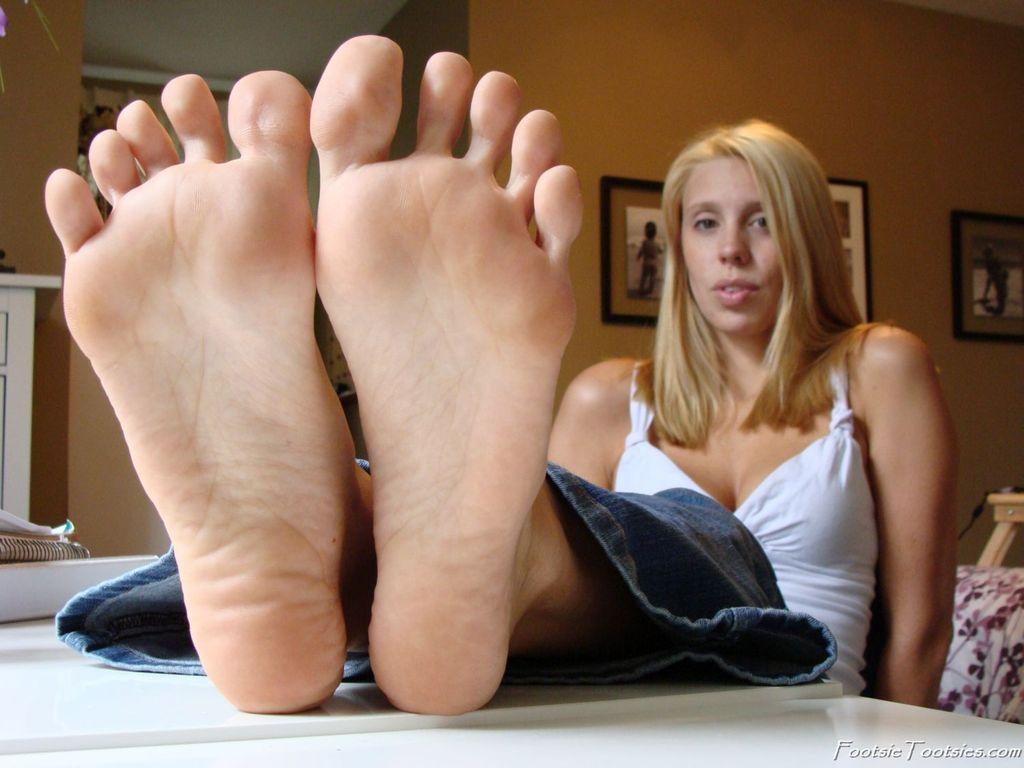 Foot worship forum